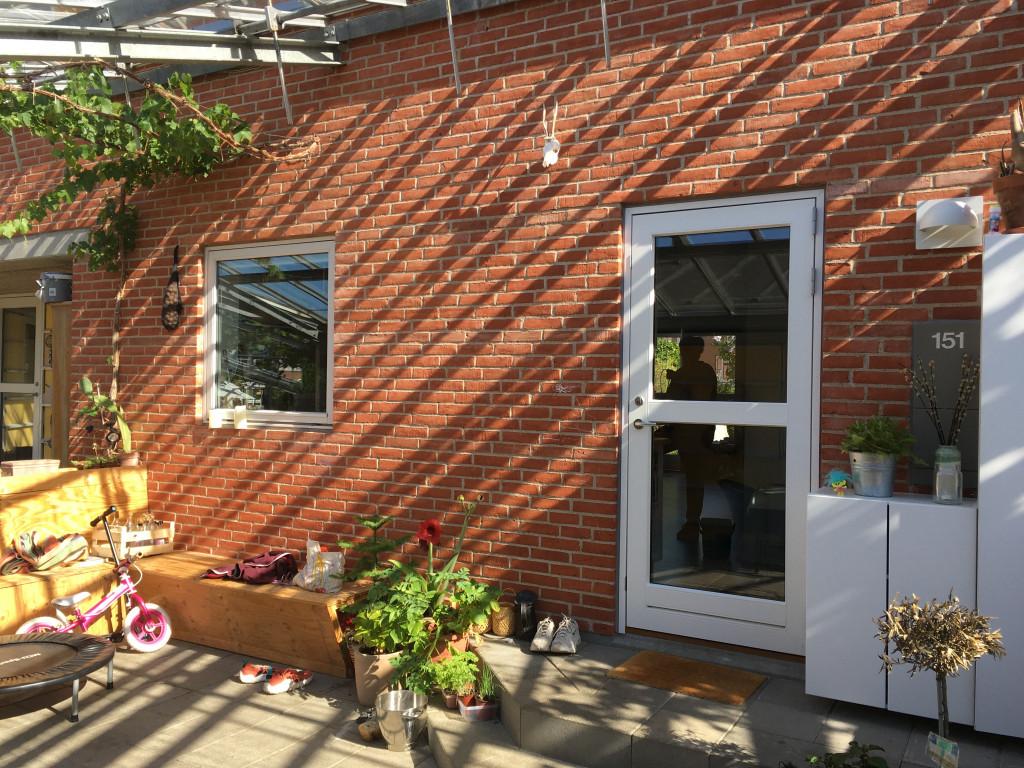 Bolig på 95 m2 til salg i bofællesskabet ´Kilen´ tæt på natur og 20 km fra Kbh. centrum. - 151_have_3a517d0e78fd7385a5e2c06d78213518