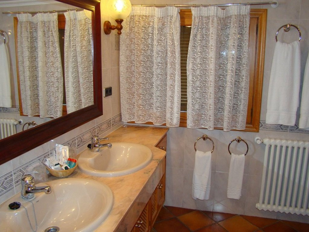 Randa Bolig - Mallorca - 1bano-suite1_f47eeab1c4771977e8319b341985fe99