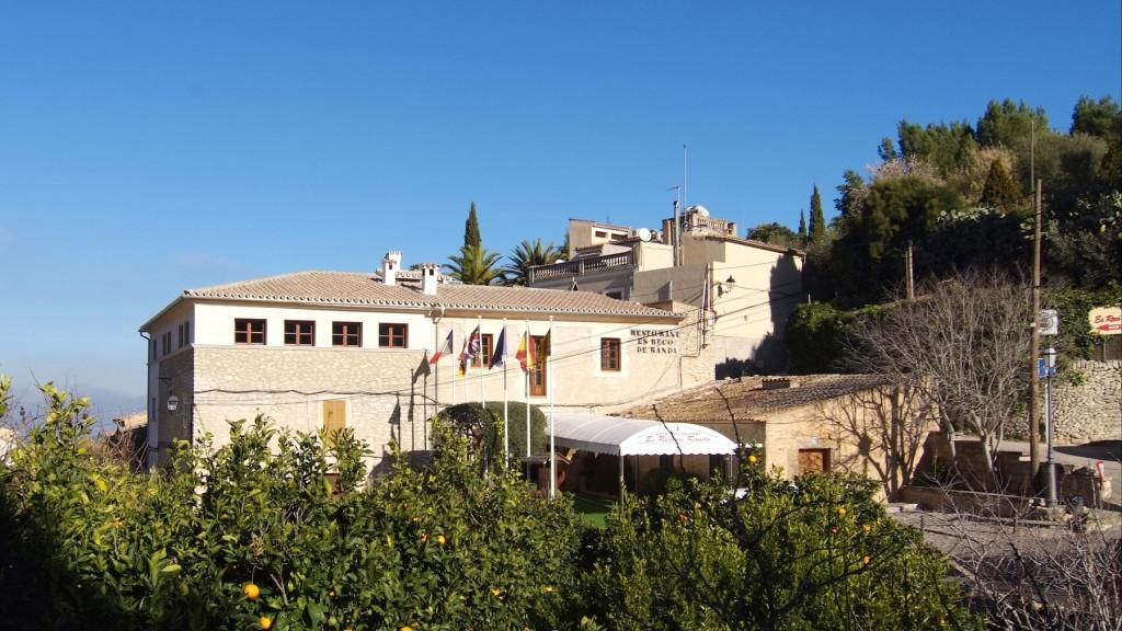 Randa Bolig - Mallorca - 1cropped_axjigod_1_91b62f02e165704bd67eaaa37099137e