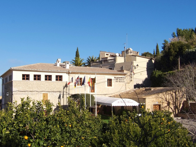 Randa Bolig - Mallorca - 1cropped_axjigod_1_b3fc42168025c254205fe301f1f0a0d7