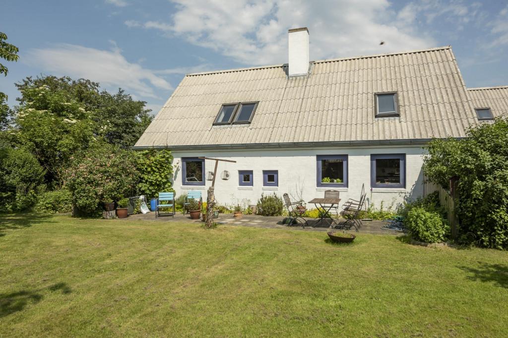 2 boliger i bofællesskab i Vinderslev ved Kjellerup   - 3_Liljevej_29_set_fra_haven_mod_syd_029c8a65ae0c8b213f6394f296e40bb7