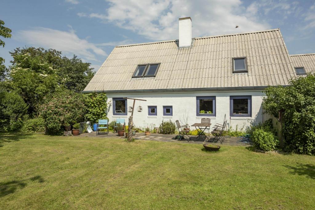 2 boliger i bofællesskab i Vinderslev ved Kjellerup - 3_Liljevej_29_set_fra_haven_mod_syd_86bdf8b19f627cd0595a1904042cf830
