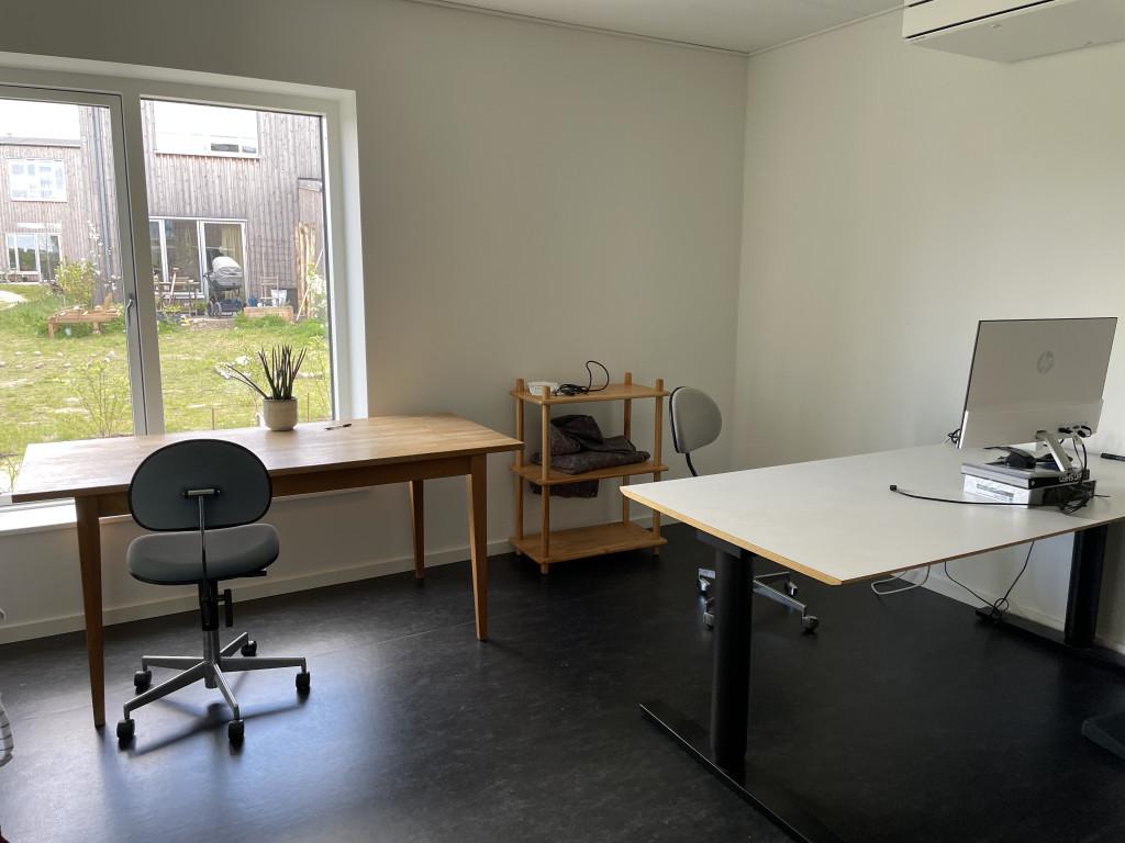 Skønt og veludnyttet enderækkehus i økofællesskab (under salg) - Faelleshus-kontor_b3a36ae186eb5599a9255da9b1b8acfc