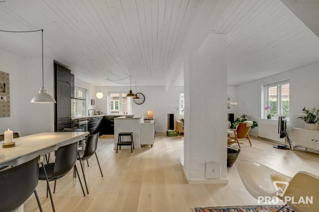 Lys og velindrettet villa i velfungerende bofællesskab - gåafstand til skole og indkøb   - Gyndbjerg_3_17_fe1b2399c9bb4c95d0b07b73fe3e4516