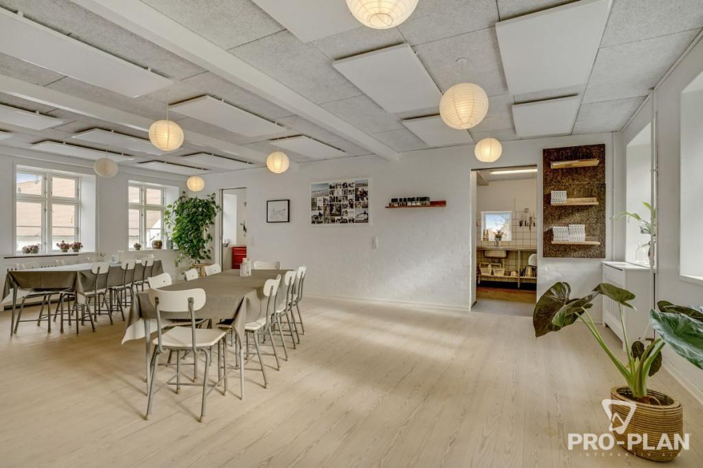 Lys og velindrettet villa i velfungerende bofællesskab - gåafstand til skole og indkøb   - Gyndbjerg_felles_3_af6dd9ce6a31b99bcd94a6ce38b9950c