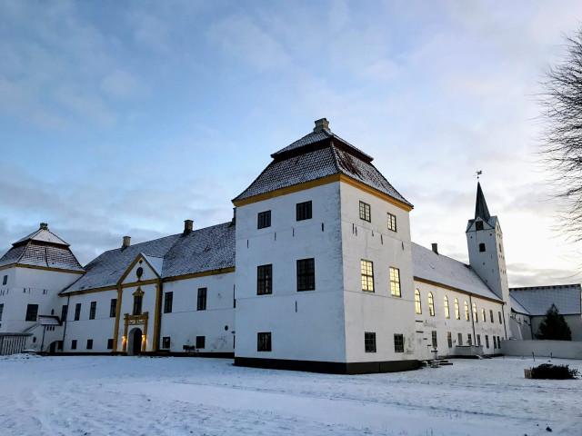 Slotskollektiv for seniorer på Dronninglund Slot - IMG_9063-scaled_caa53489b93834d6518bd67decfa2dad