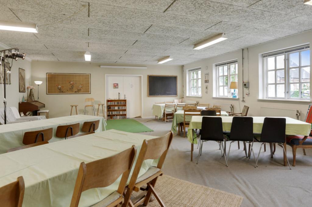 +600 m2 nedlagt landsbyskole, velegnet til bofællesskab /kollektiv, med mulighed for erhverv - IMG_9111_ed7540e8527a15356ffefe8cc00c28ff