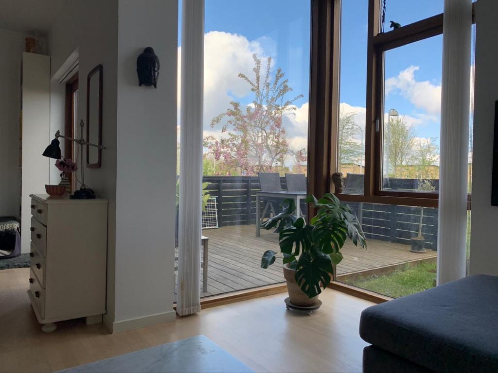 Bolig i Bofællesskabet Glashusene, Trekroner i Roskilde - Udsigt_stue_0283ea4a676e344a8a8c8926bb03ea2e