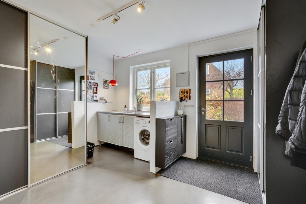 Stor  moderniseret villa i bofællesskab i  Bjert v.Kolding - bryggers_cbbc3d4069ba7b3a174388ac2278004a
