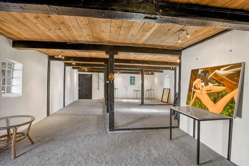 Skøn firlænget bofællesskabsejendom tæt på Odense - galleri_-_tidligere_hestestald_2a259b798d4f3d134f844c3bfd85af84