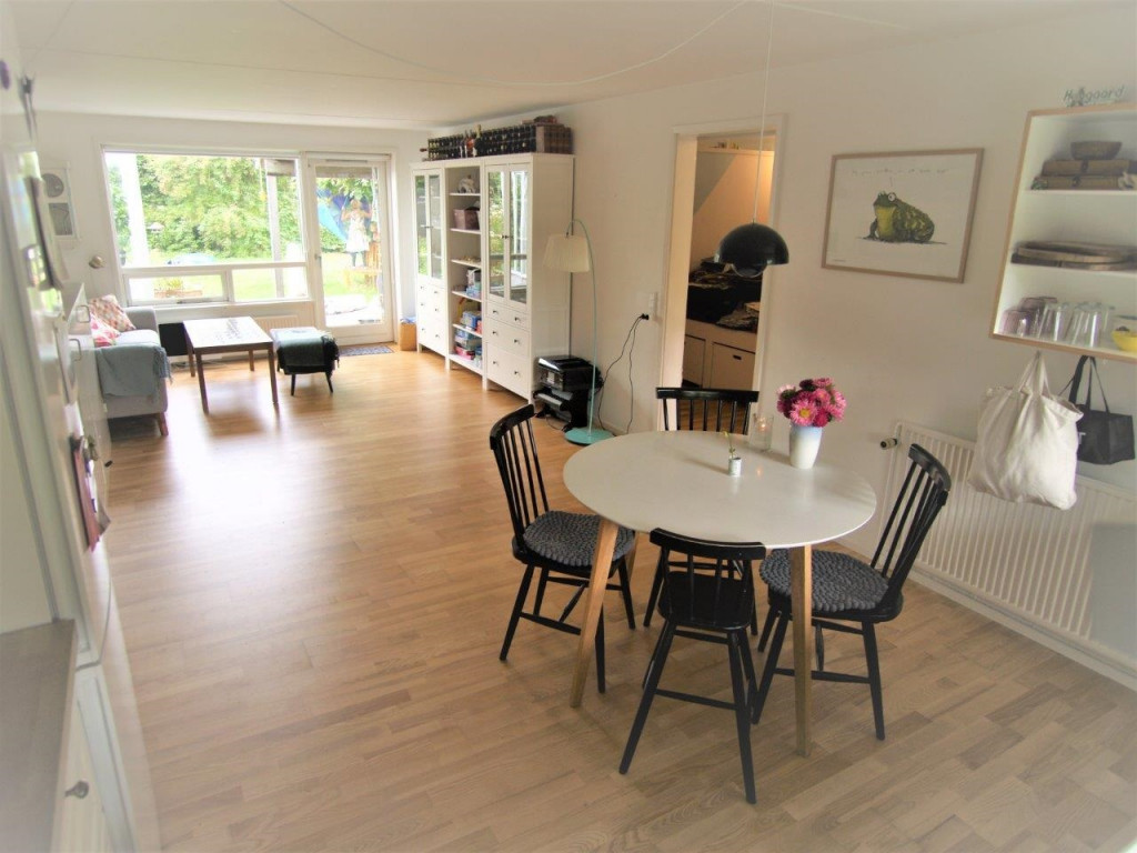 Kom og bo med os i bofællesskab i Birkerød - hus_10_FULD_STUE_f00ab076e3b0a3b16d0faf84dca4f0ed