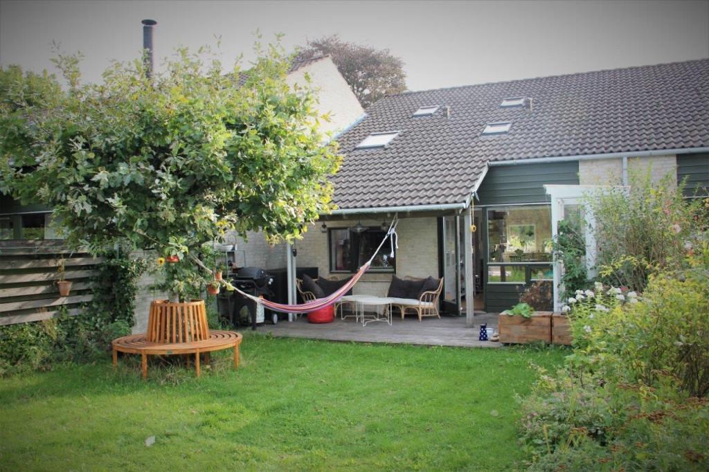 Kom og bo med os i bofællesskab i Birkerød - hus_10_HAVE_BAGTIL_f8f0a1d8b26851abecdd51780c79e006