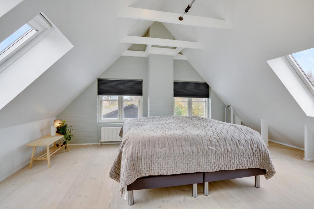 Stor  moderniseret villa i bofællesskab i  Bjert v.Kolding - sovevaerelse_6f298555dd6837569ac48f2644823256