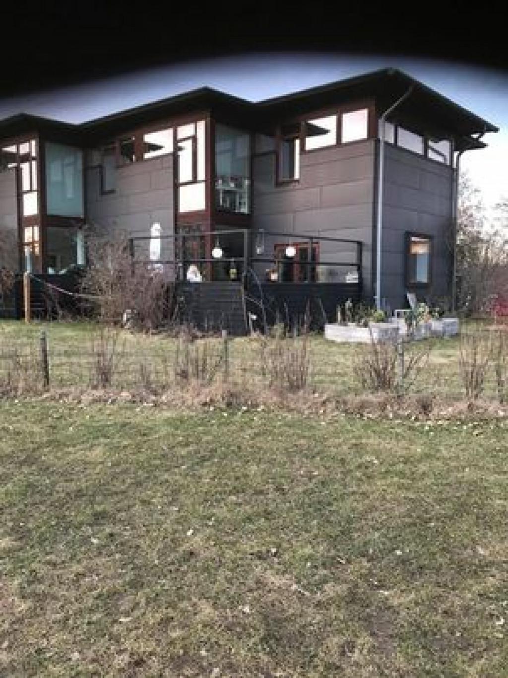 Skønt enderækkehus i bofællesskabet Glashusene, Trekroner, Roskilde  - udefra_e04e5a46016c87c2cc82aa9320058337